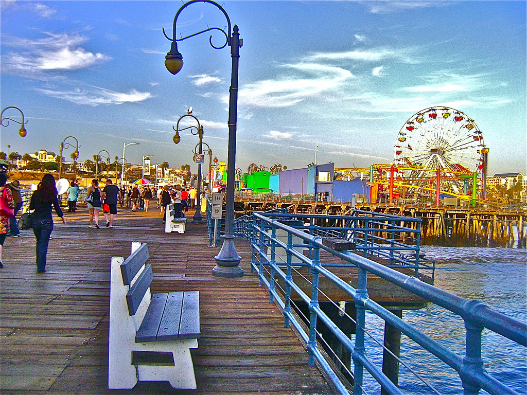 Lynn Kelley, Santa Monica pier, Santa Monica amusement park, WANA Commons