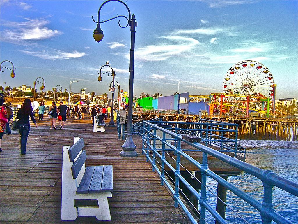 Lynn Kelley, Santa Monica pier, Santa Monica amusement park, WANA Commons
