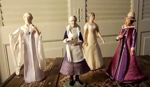 Lynn Kelley, figurines