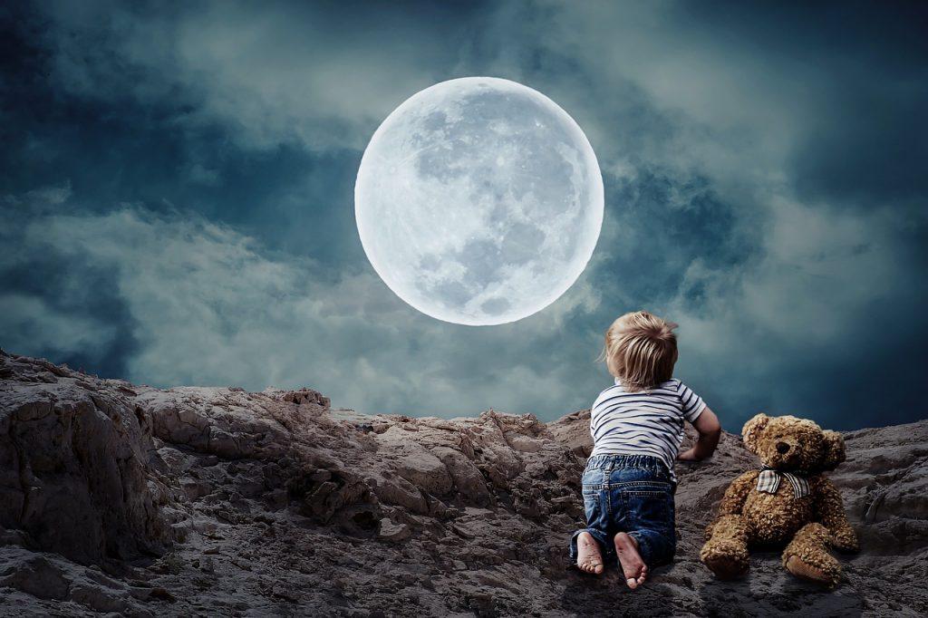 Lynn Kelley, Grammy Gets It - Year of Weird Moons