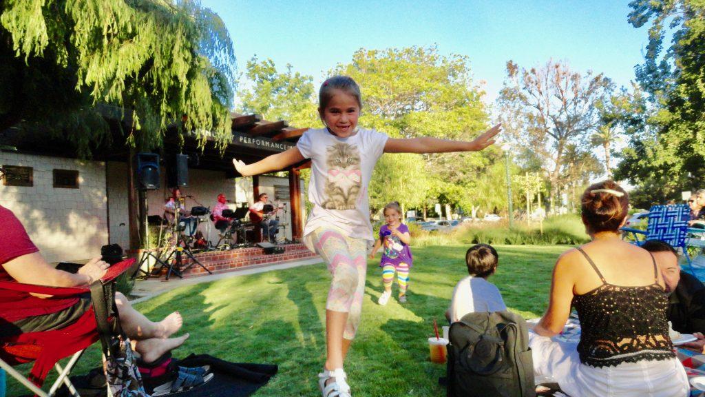 Lynn Kelley, Grammy Gets It, child skipping, Smile photo challenge